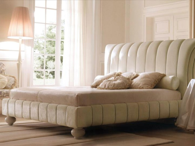 Classic luxury bedroom furniture Charme