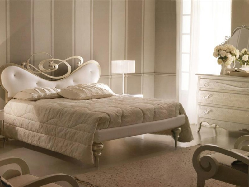 Classic luxury bedroom furniture Gio