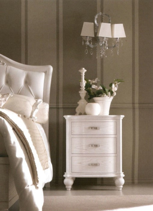 Classic luxury bedroom furniture Via Veneto 3