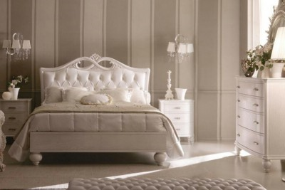 Classic luxury bedroom furniture Via Veneto - Luxury Italian Upholstered Beds
