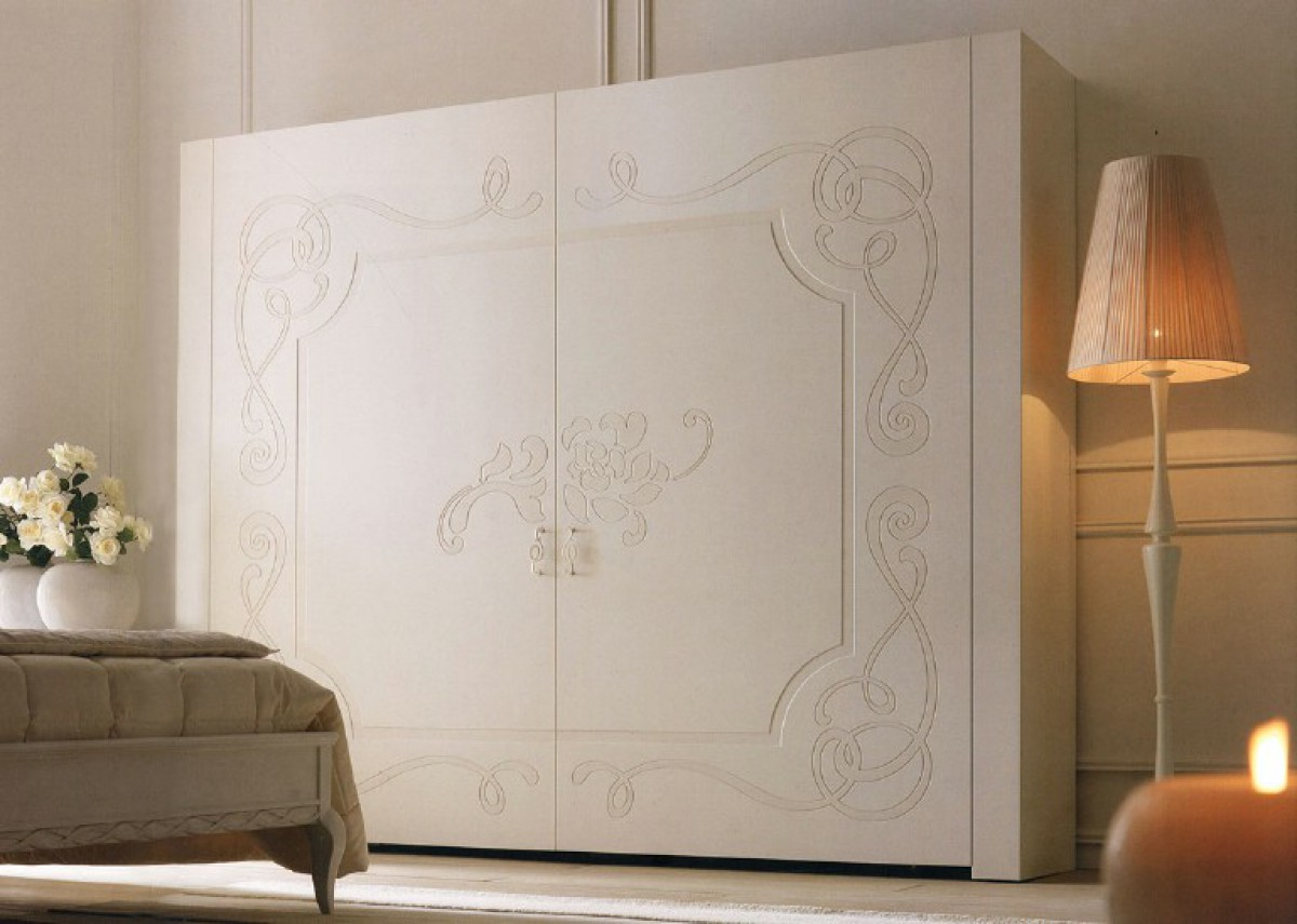 Wardrobe with sliding doors classic bedroom made of wood