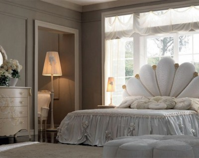 Classic bedroom furniture Meteora Italy - Luxury Italian Upholstered Beds