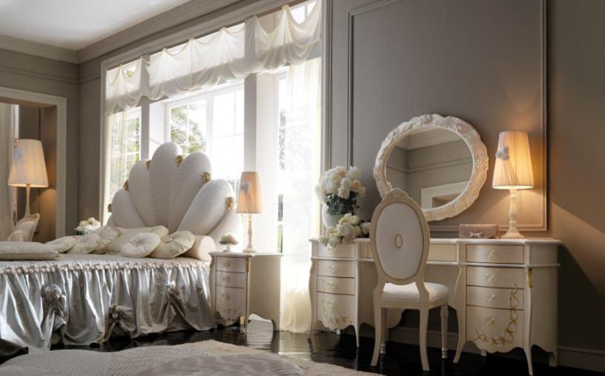 Luxury italian bedroom furniture | Classic bedroom Banjul | Bed upholstery price
