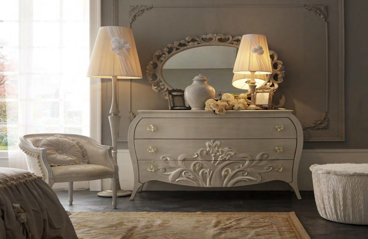 Luxury italian bedroom furniture | Classic bedroom Budapest | Bed upholstery price